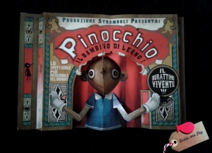 Detalle libro infantil pop up Pinocho