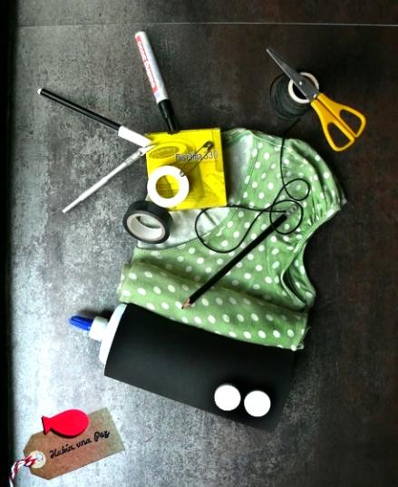Materiales y herramientas para hacer una cocinita de cartón